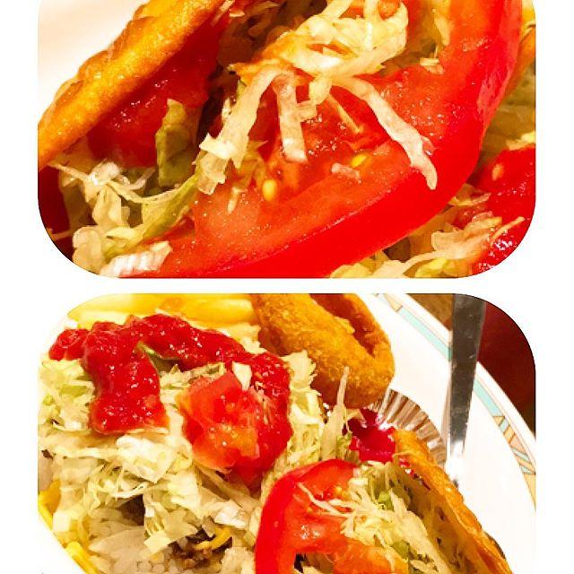 最近食べ物ばかりですが、 食べると元気になりますねー 真っ赤なトマトの 大好きなソウルフード 、 明日も頑張ります!!!!!! #沖縄#タコス#店舗デザイン